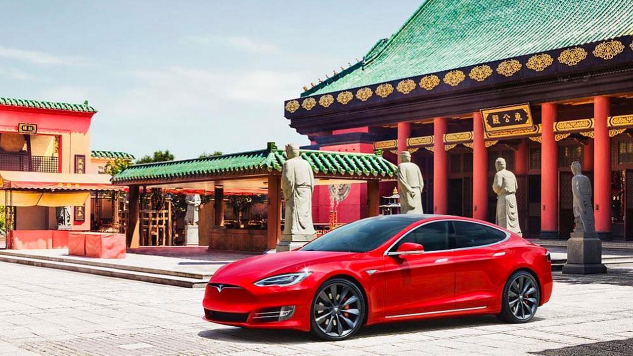 Çin'den Tesla'ya hükümet darbesiÇin hükümeti, veri saldırılarını gerekçe göstererek devlet yetkililerinin ve askeri kanadın Tesla marka…