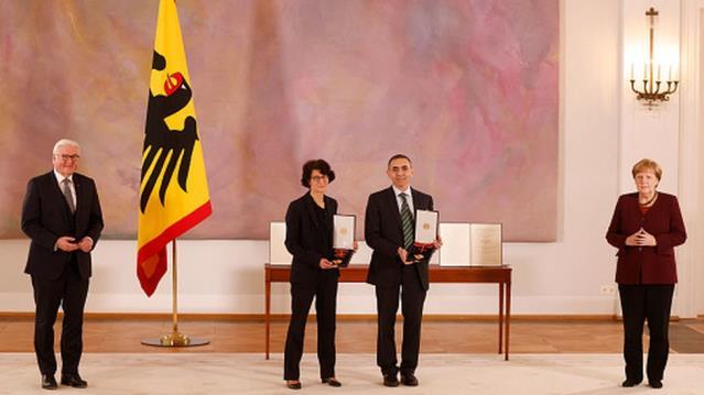 Covid aşıları: Almanya, Dr. Özlem Türeci ve eşi Prof. Dr. Uğur Şahin'e liyakat nişanı verdi