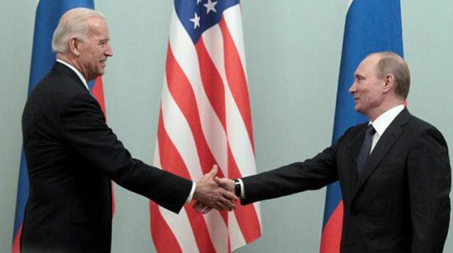 """""""Biden'la görüşmeye hazırım"""" diyen Putin'e Beyaz Saray'dan gerilimi tırmandıracak yanıt: 'Katil' dediği için pişman değil"""